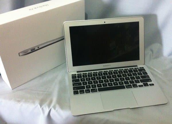 Harga MacBook Air MJVM2ID/A